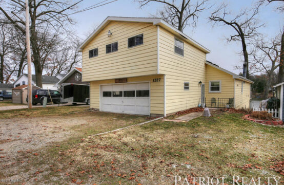 1327 Hess Lake Drive, Grant, MI 49327