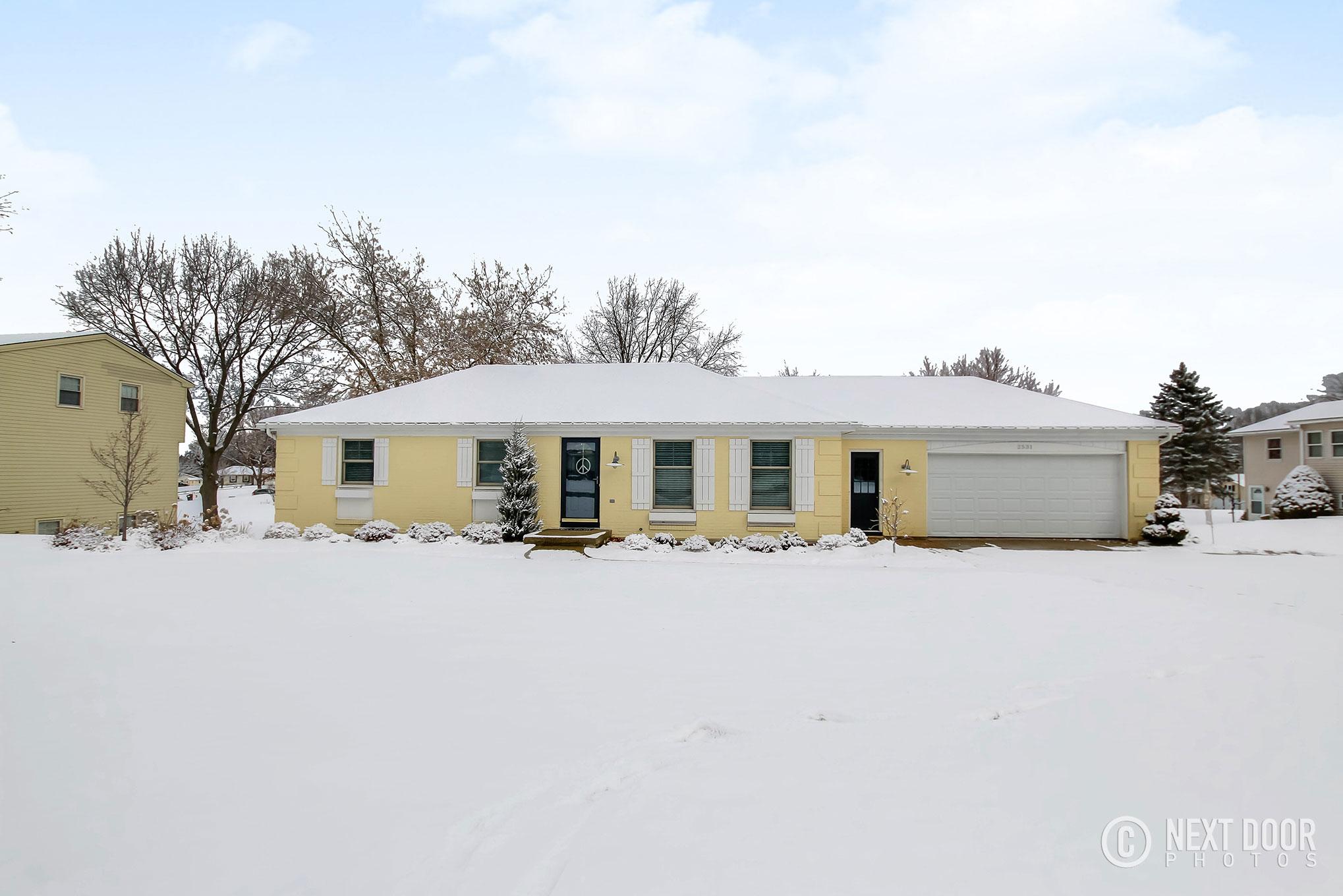 2531 Pinesboro Drive NE, Grand Rapids, MI 49525