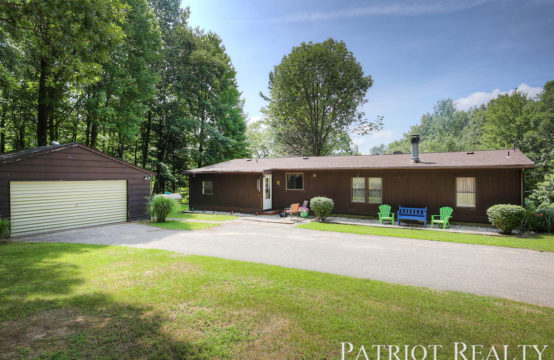 5707 S Ford Lake Drive, Newaygo, MI 49337