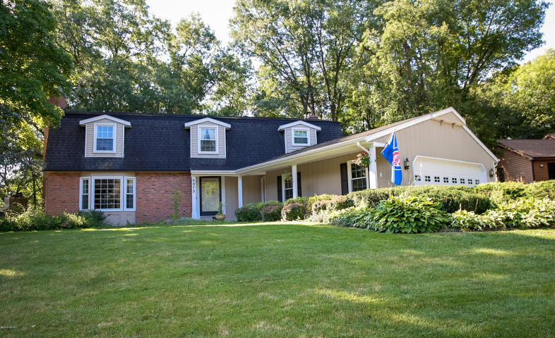 6872 Forest Valley Drive SE, Grand Rapids, MI 49546