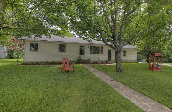 202 N Linden Avenue, Fremont, MI 49412