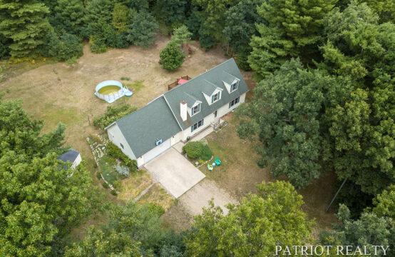 3583 E Shepherds Ridge, Grant, MI 49327