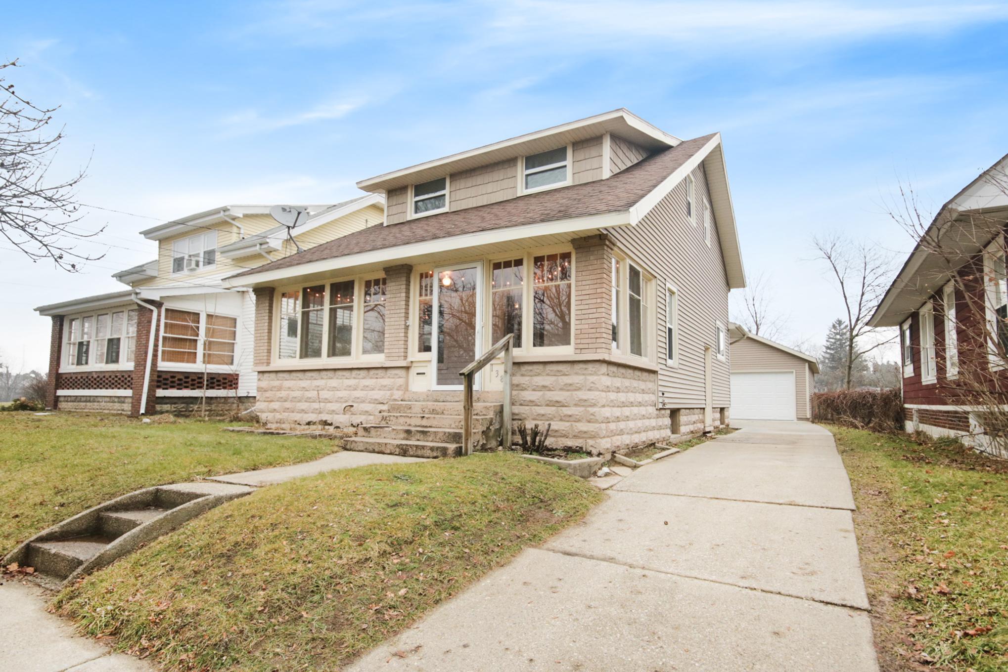 138 Arthur Avenue NE, Grand Rapids, MI 49503