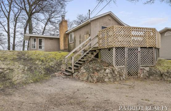 9384 Redwood Drive, Newaygo, MI 49337