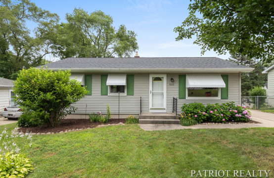 3860 Vineyard Avenue NE, Grand Rapids, MI 49525