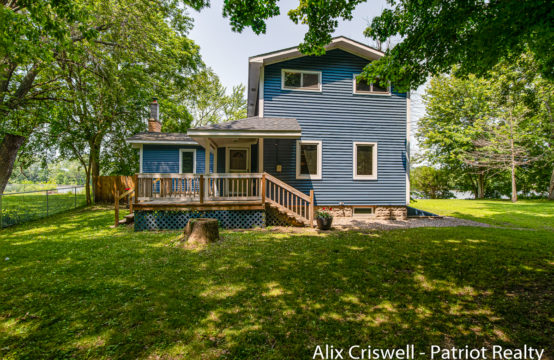 3979 Willow Drive NE, Grand Rapids, MI 49525