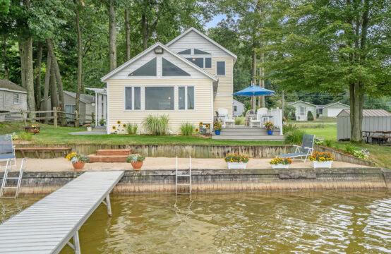 1071 E Hess Lake Drive, Grant, MI 49327