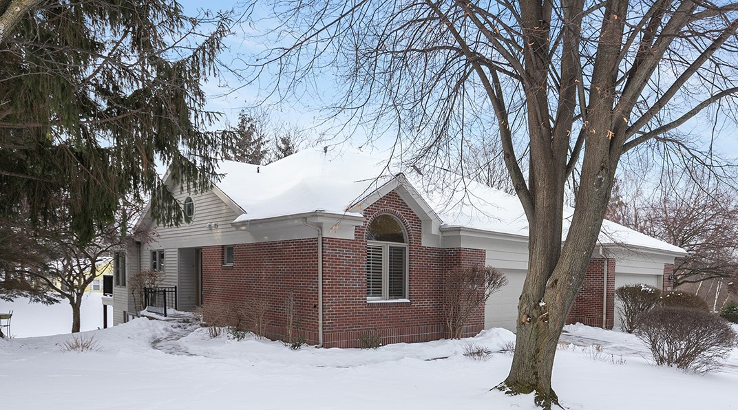 2004 – 2 S Terrace Lane NE, Grand Rapids, MI 49505