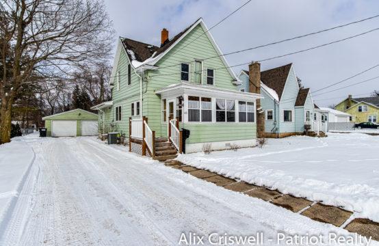 43 W Gardner Street, Sparta, MI 49345