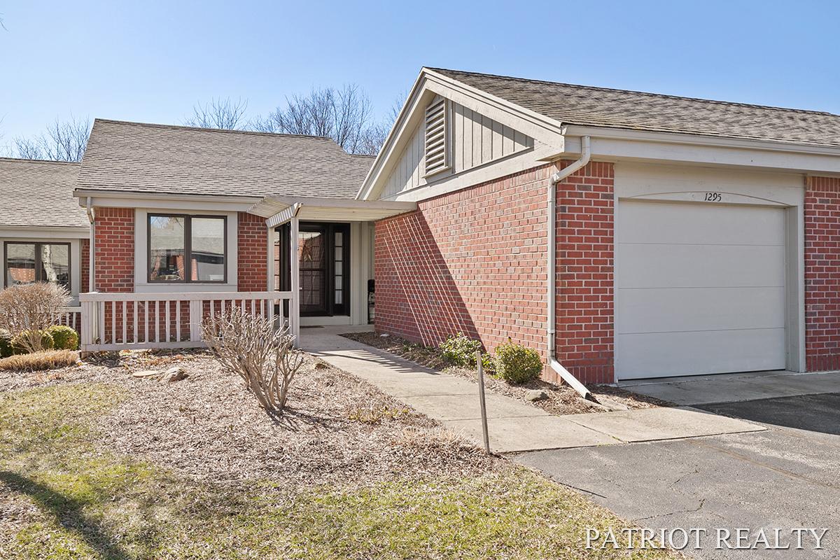1295 Suncrest Drive 80 NE, Grand Rapids, MI 49525