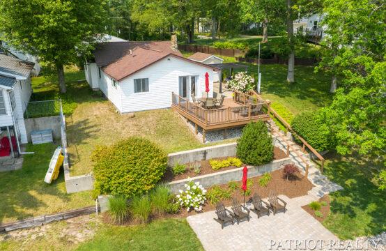 1199 E Hess Lake Drive, Grant, MI 49327